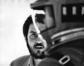 """Stanley Kubrick podczas realizacji zdjęć do filmu """"2001: Odyseja kosmiczna"""" (Wlk. Bryt./USA, 1965-68). © Warner Bros. Entertainment Inc."""